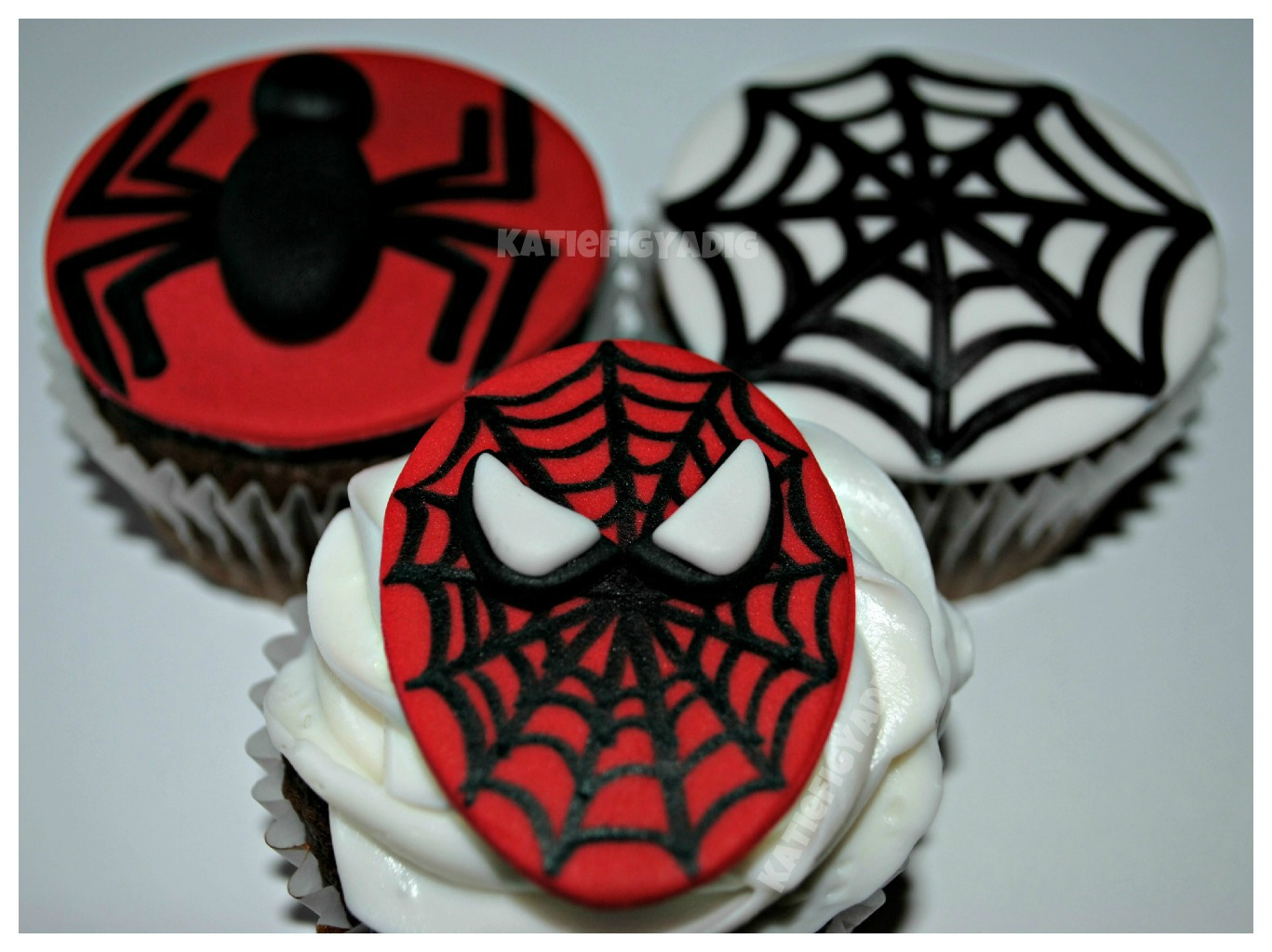 Spiderman Cupcake Images : Spider-Man Cupcakes