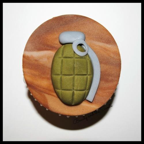 Gernade Cupcake